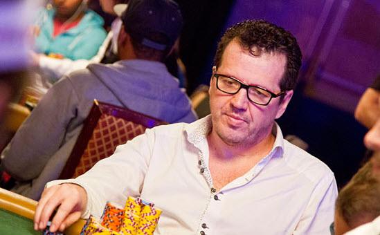 Tres latinos se meten entre los 68 jugadores que avanzan en el Main Event de la WSOP | Hablando de Poker