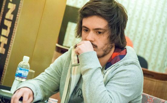 Madero Poker Master Cup Hunters: Petrone es el chipleader | Hablando de Poker