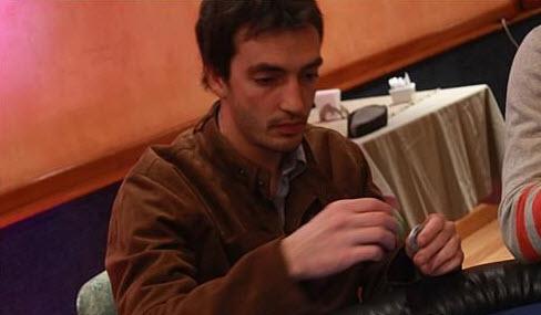 El argentino Emiliano Savoia avanza al segundo día del UKIPT de Irlanda | Hablando de Poker